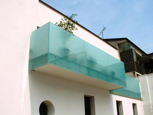 Balconi con vetrate
