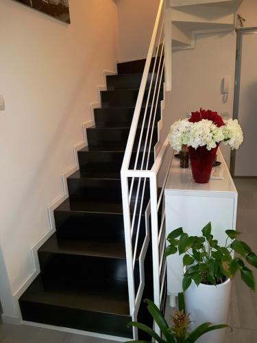 Rampa di scalini e corrimano